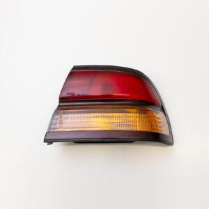 NISSAN CEFIRO & MAXIMA A32 SEDAN DRIVERS TAIL LIGHT