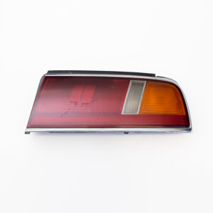 NISSAN LAUREL C34 PRE-FACELIFT DRIVERS TAIL LIGHT