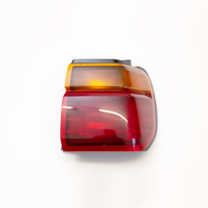 NISSAN STAGEA C34 PRE-FACELIFT DRIVERS TAIL LIGHT